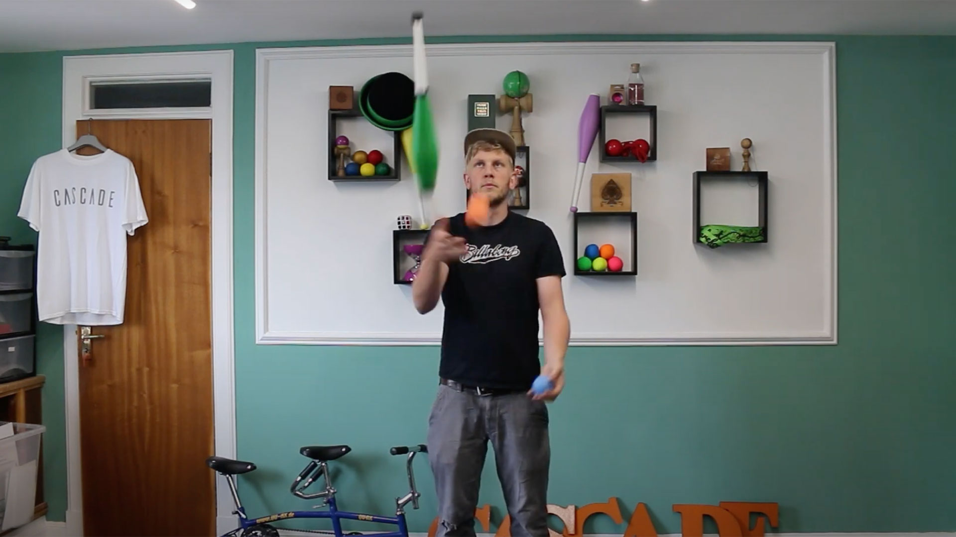 Cascade_Juggling_How_To_Juggle